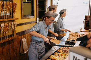 mobiler Dinnete Stand, freundliches Personal, Dinnete Stand mieten, Holzofen Dinnete